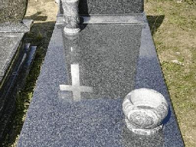 pomniki z kamieniu