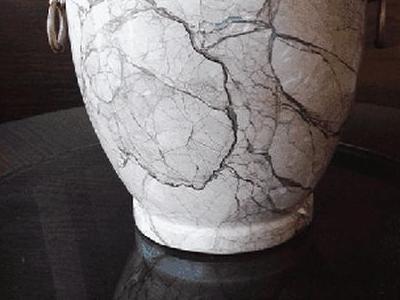 urna z kamieniu 2